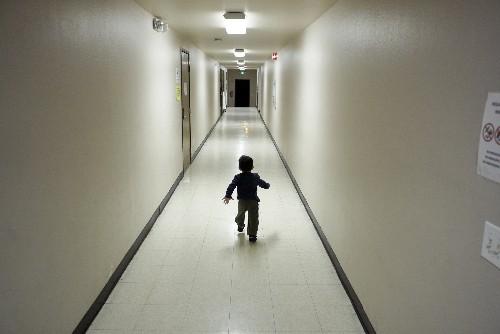 Judge mulls bid to curb power to split families at border