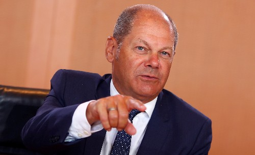 Germany's Scholz sees Italy taking steps to resolve budget row