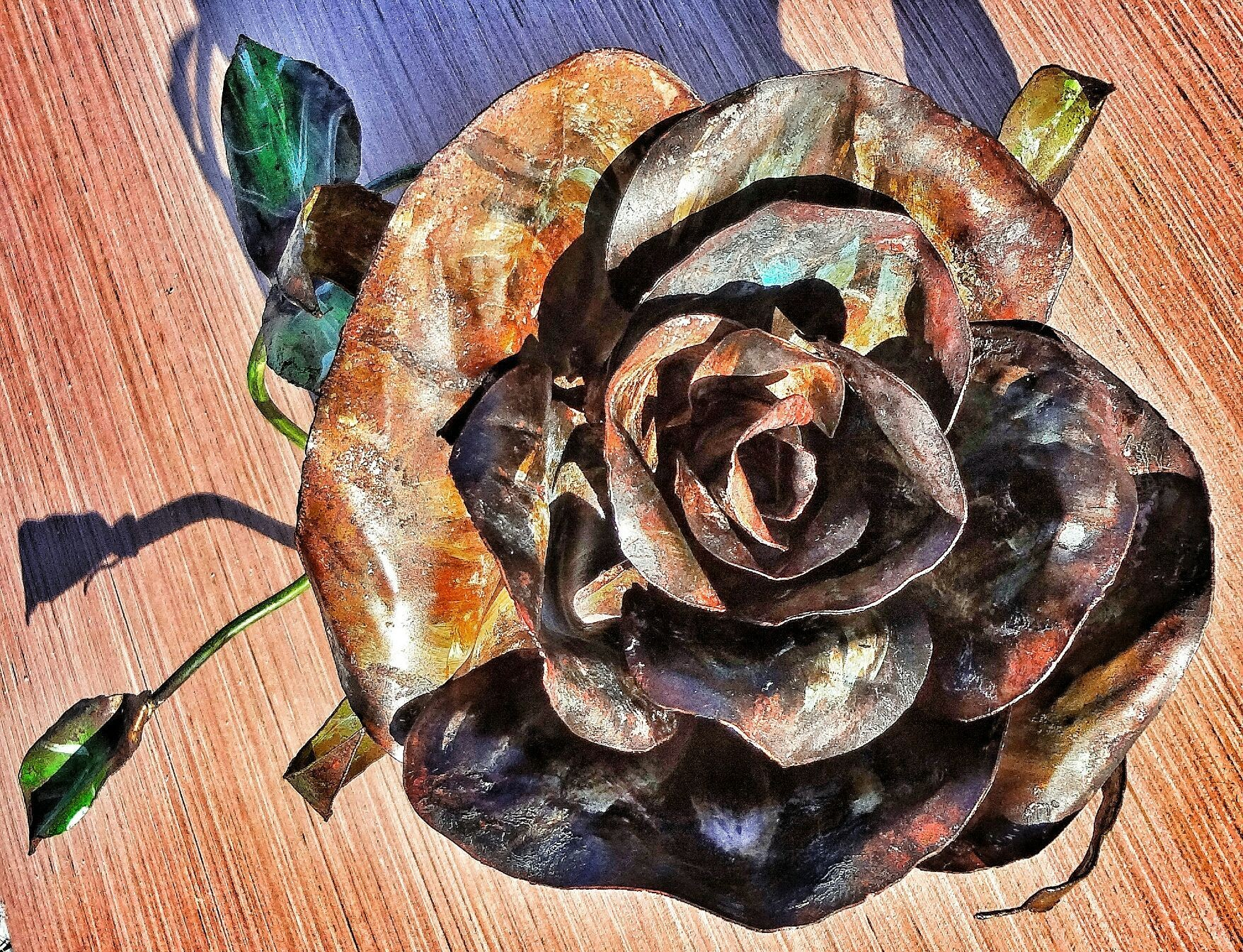 This beautiful flower is available for purchase along with many other handmade sculptures, at Black Swan Antiquities in Annville PA! Also take an additional 10% off if paying cash! www.facebook.com/thebeardedwelder #TheBeardedWelder #MetalArt #rose #sunflower #flower #heaven #hell #sculpture #flower #hope #newyear #karma #origina #chive #chivette #saturday #sunday #beard #slipknot #clutch #marketplace #icehouse #pi #pink #yin #yang