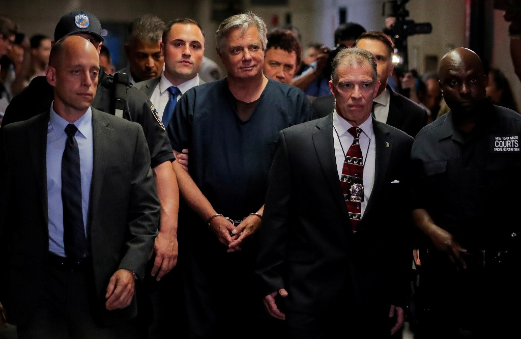 Ex-Trump aide Manafort beats Manhattan prosecutor's bid to revive NY fraud charges
