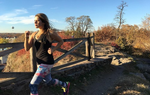 Why You Should Try Meditating While Running (and How to Do It)