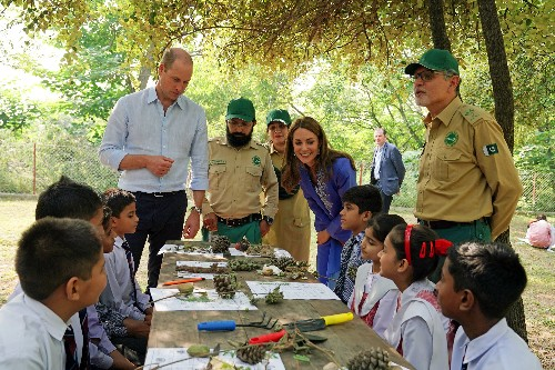 Prince William and wife Kate meet Imran Khan, Pakistan's PM and friend of Diana
