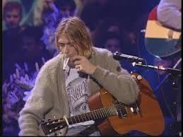 Mi scuso ancora, oggi carico otto foto, 18 novembre 1993: Nirvana partecipano agli MTV unplogett ( non so come si scrive). Uno scatto che non troverete manco su You Tube
