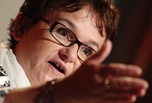 EZB-Direktorin warnt vor laxerer Kontrolle von Banken