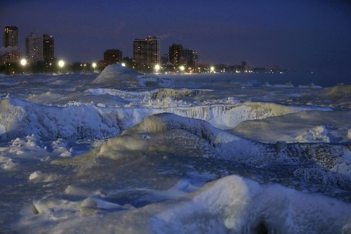 Deep Freeze Paralyzes Parts of U.S.: Pictures