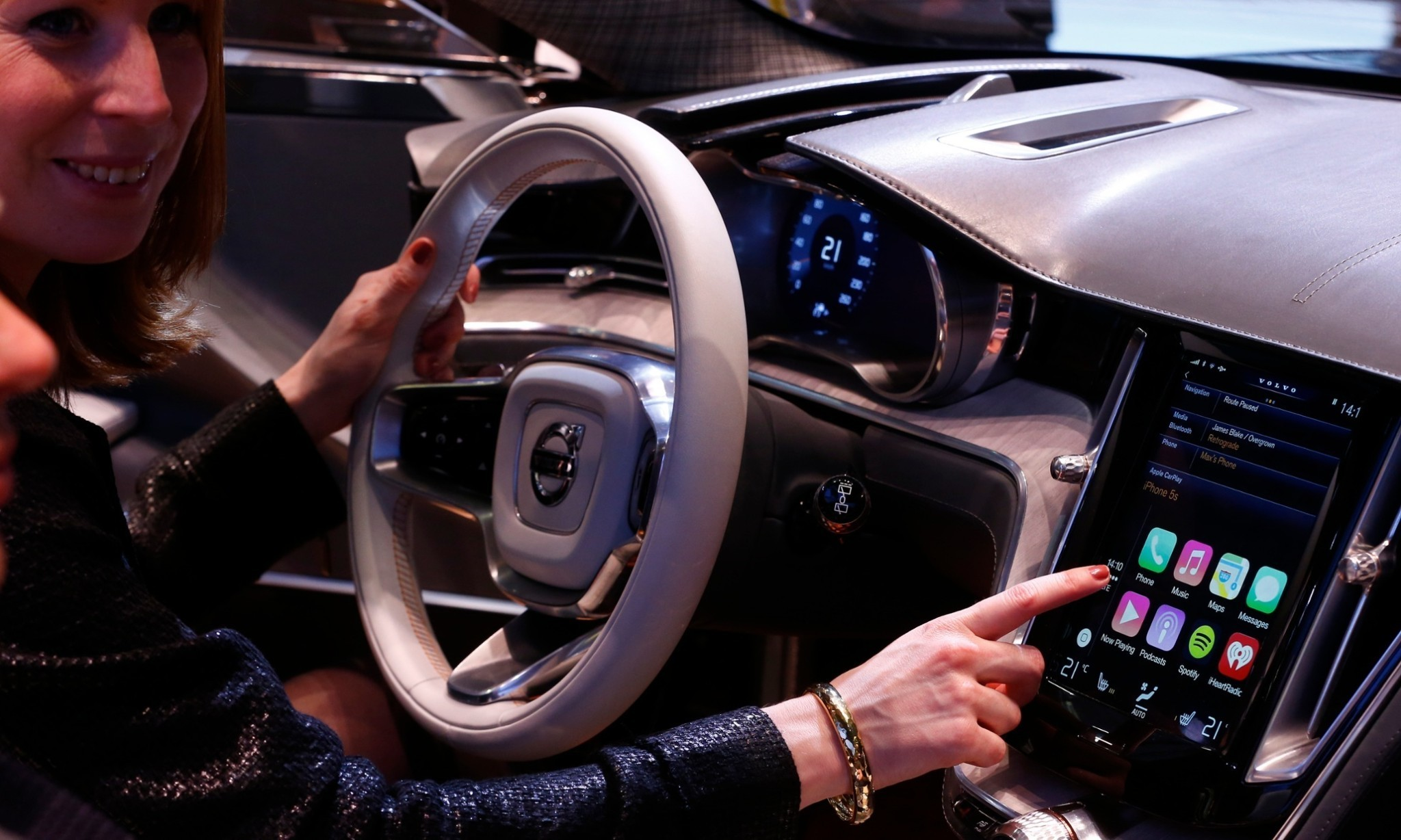 It's OK to hack your own car, US copyright authorities rule