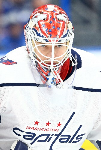 Capitals extend road dominance, knock off Lightning