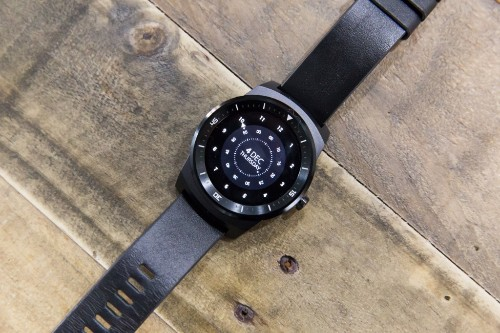 Android Wear Gets Experimental Offline Step Counting