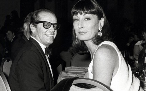 All Eyes on Anjelica Huston: The Legendary Actress on Love, Abuse, and Jack Nicholson
