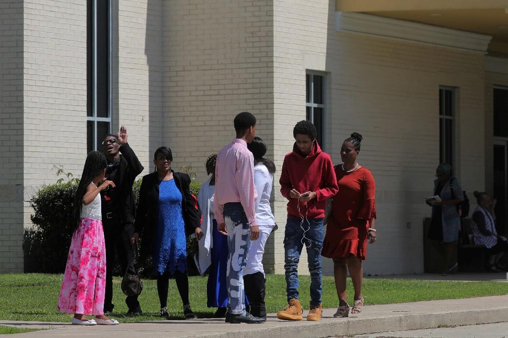 Louisiana church holds services, defying coronavirus stay-at-home order