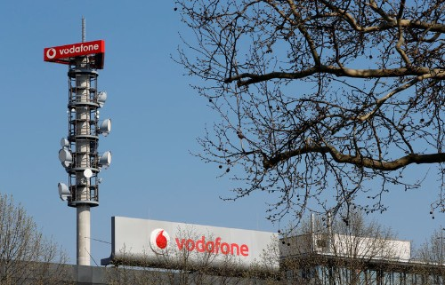 Vodafone launches 5G in Germany, challenges D.Telekom on price