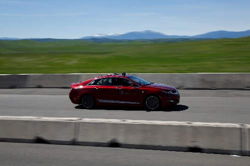 Key U.S. senator calls self-driving legislation a 'long shot'