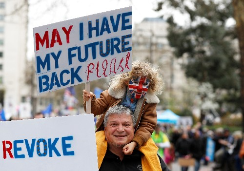 A Brexit crisis deepens, thousands due to march through London for a new referendum