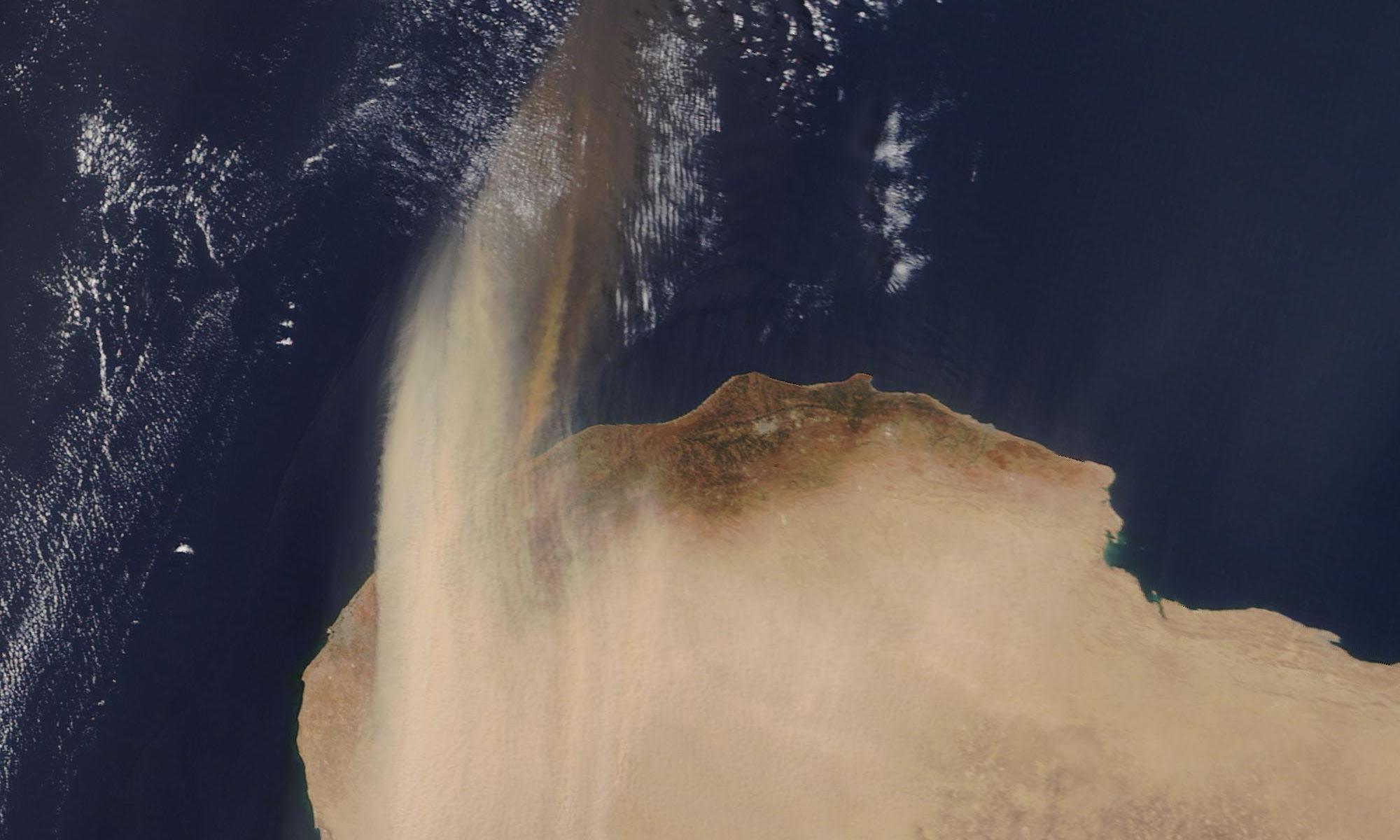 TE Lawrence dust-storm notes enlighten weather crews 100 years on