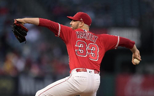 Urshela hits Yanks to 4th straight win, 4-3 over Halos in 14
