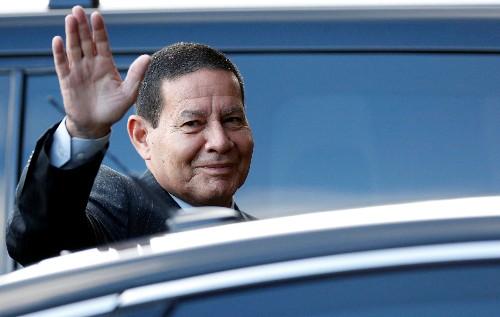 Governo espera aprovar Previdência entre fim deste semestre e início do próximo, diz Mourão