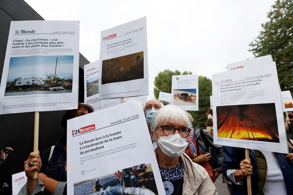 Swiss appeals court reverses acquittal of Credit Suisse climate protesters