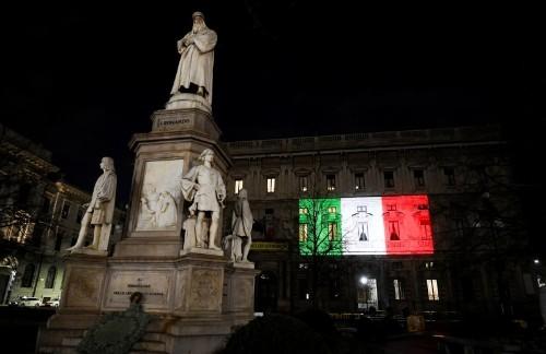 Russian army to send coronavirus help to Italy after Putin phone call