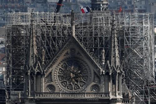 Former des tailleurs de pierre pour rebâtir Notre-Dame de Paris