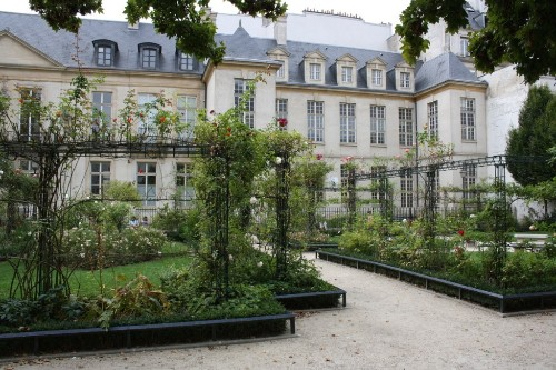Paris Is Filled With Secret Gardens, You Just Have To Know Where To Look