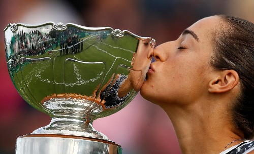 Garcia secures comeback win to lift Nottingham title