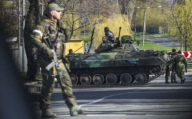 Russia masses more forces near Ukraine border