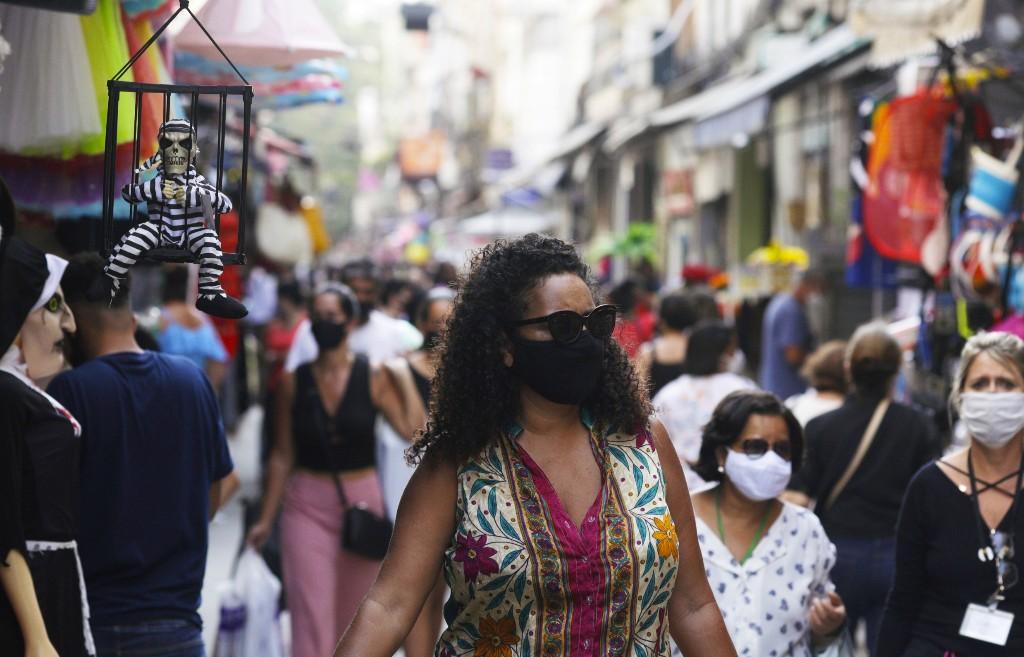 Coronavirus: Plus de 700 décès supplémentaires au Brésil