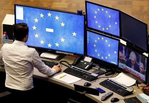 Borse Europa pesanti per timori Cina, comparto minerario in calo