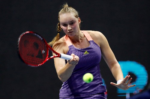 Rybakina downs Pliskova to reach Dubai semis, Muguruza out