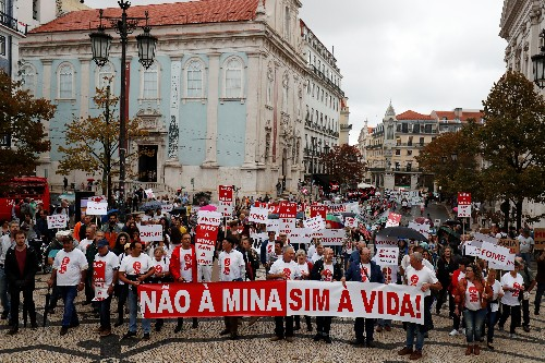 Portuguese communities lock horns with lithium miners to save their land