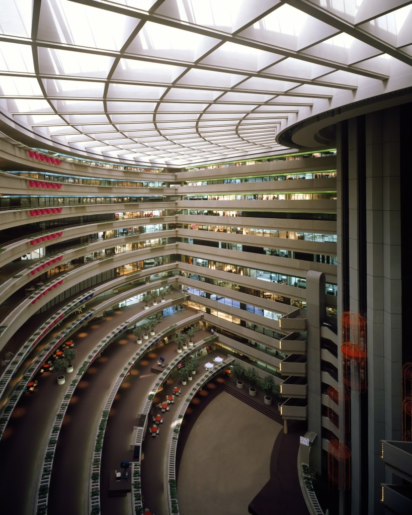 Neofuturist architect John Portman bet on cities just as people fled them