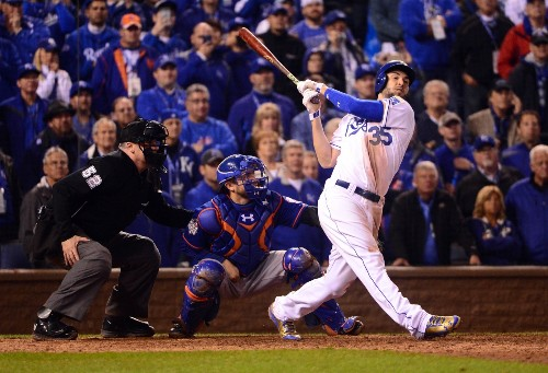 Royals Win in 14 to Take World Series Game 1: Pictures