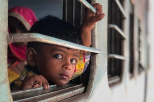 Pro photographer shoots India with just the iPhone 8 Plus