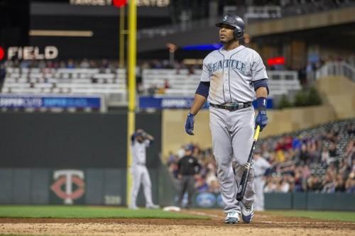 MLB notebook: Yanks add slugger Encarnacion from Mariners