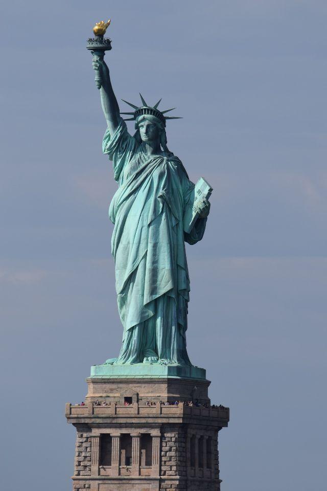 פסל החירות LIBERTY STATUE cover image