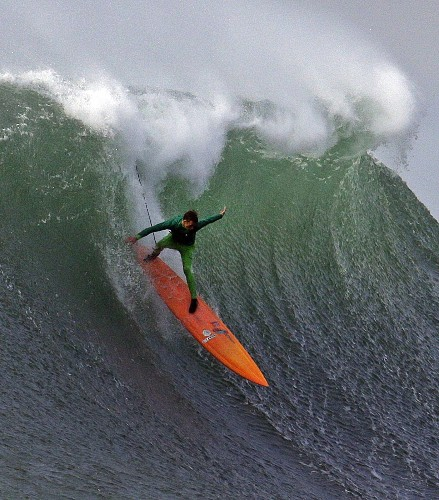 Giant Waves at Mavericks Surf Contest: Pictures