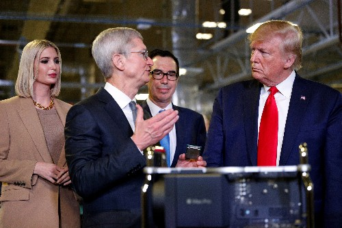 Trump to break bread with Apple's Cook and other CEOs: sources