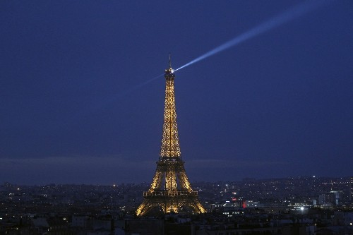 Paris, The City of Light Lit for Christmas: Pictures