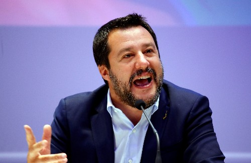 Italian cabinet infighting overshadows growth plan