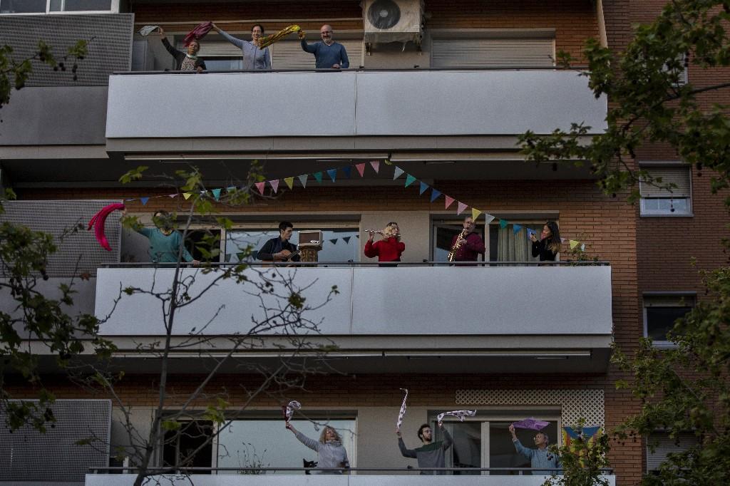Virus pain easing in Spain, Italy; UK braces for bleak days