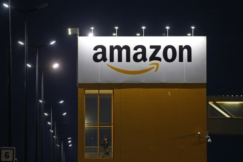 Amazon seeks staff in European insurance push