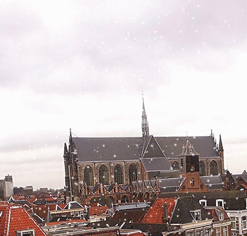 Sneeuwt gewoon in Leiden.