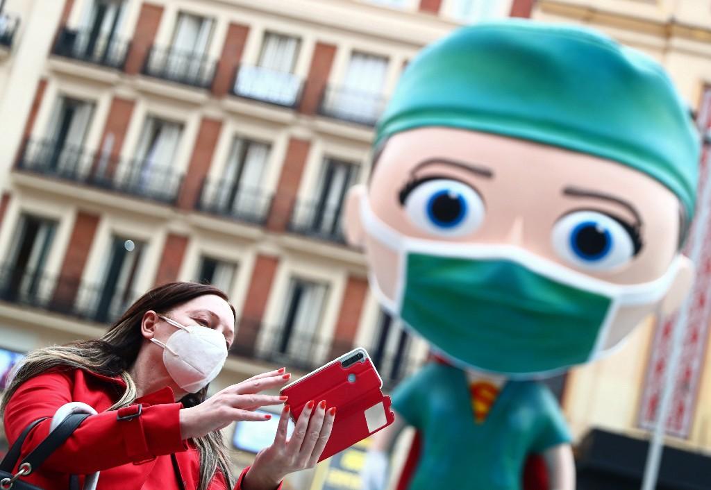 Spain extends COVID furlough scheme to January