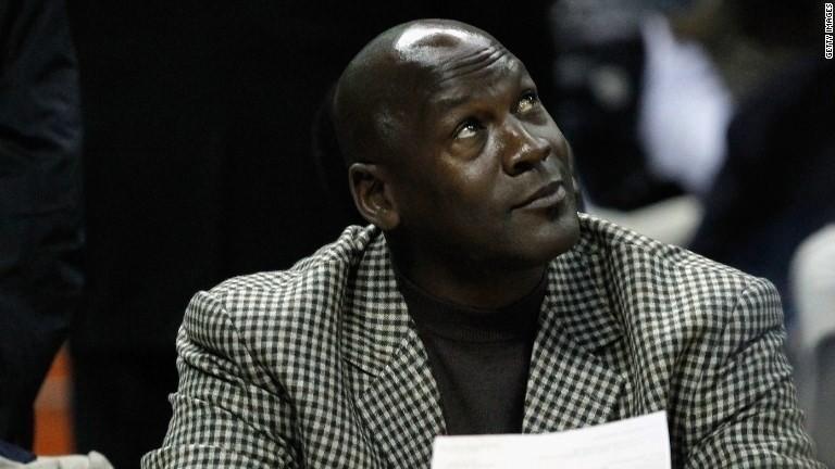 Michael Jordan: Obama 'is a sh***y golfer'