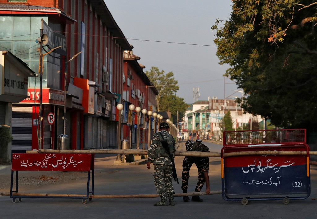 India changes controversial land laws in disputed Kashmir
