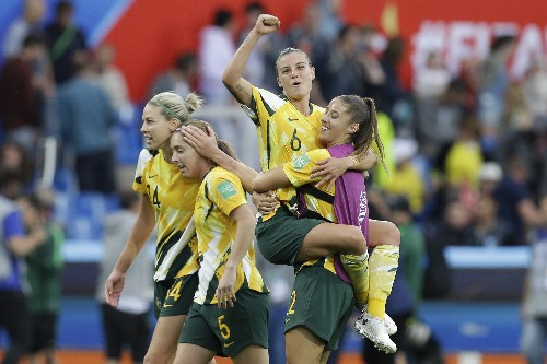 Australia beats Brazil 3-2 with aid from an own goal