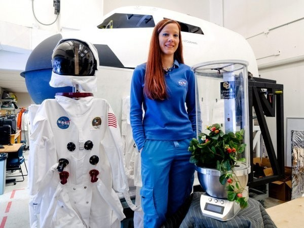 An PhD student invented a robot that can grow fruits and vegetables on Mars