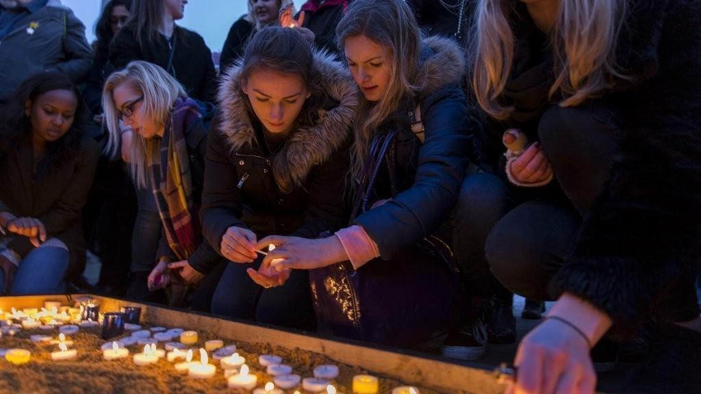 Londres rend hommage aux victimes de l'attaque terroriste de Westminster