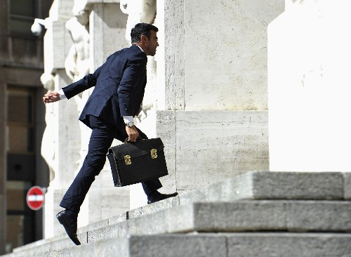 Borsa Milano tenta rimbalzo dopo due sedute negative, strappa Cucinelli, bene Fca