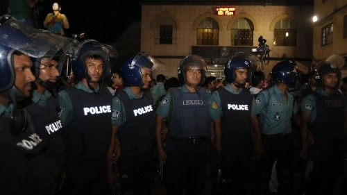 Bangladesh arrests 3,000 as PM vows to catch killers